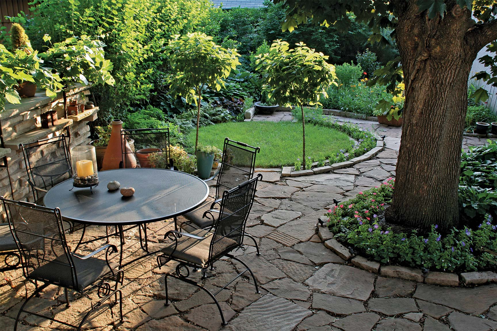 From tall grasses and vegetable gardens to swing sets and patio furniture, backyards offer dozens of hot spots for pests to seek harborage.